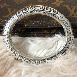 Jewelry - Heavy silver tone spring closure cuff